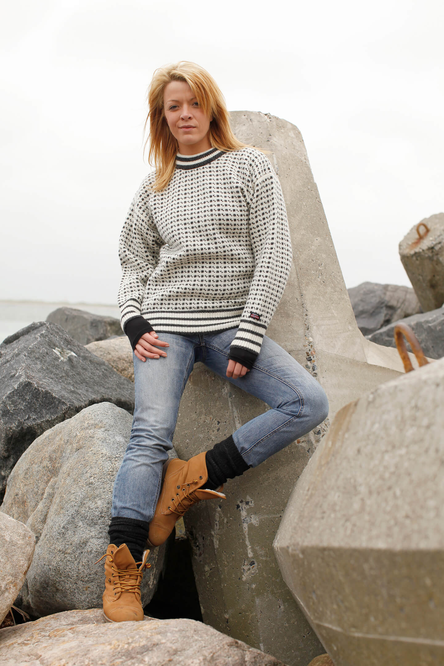 Faroese jumper of pure new wool with classic pattern from Norwool
