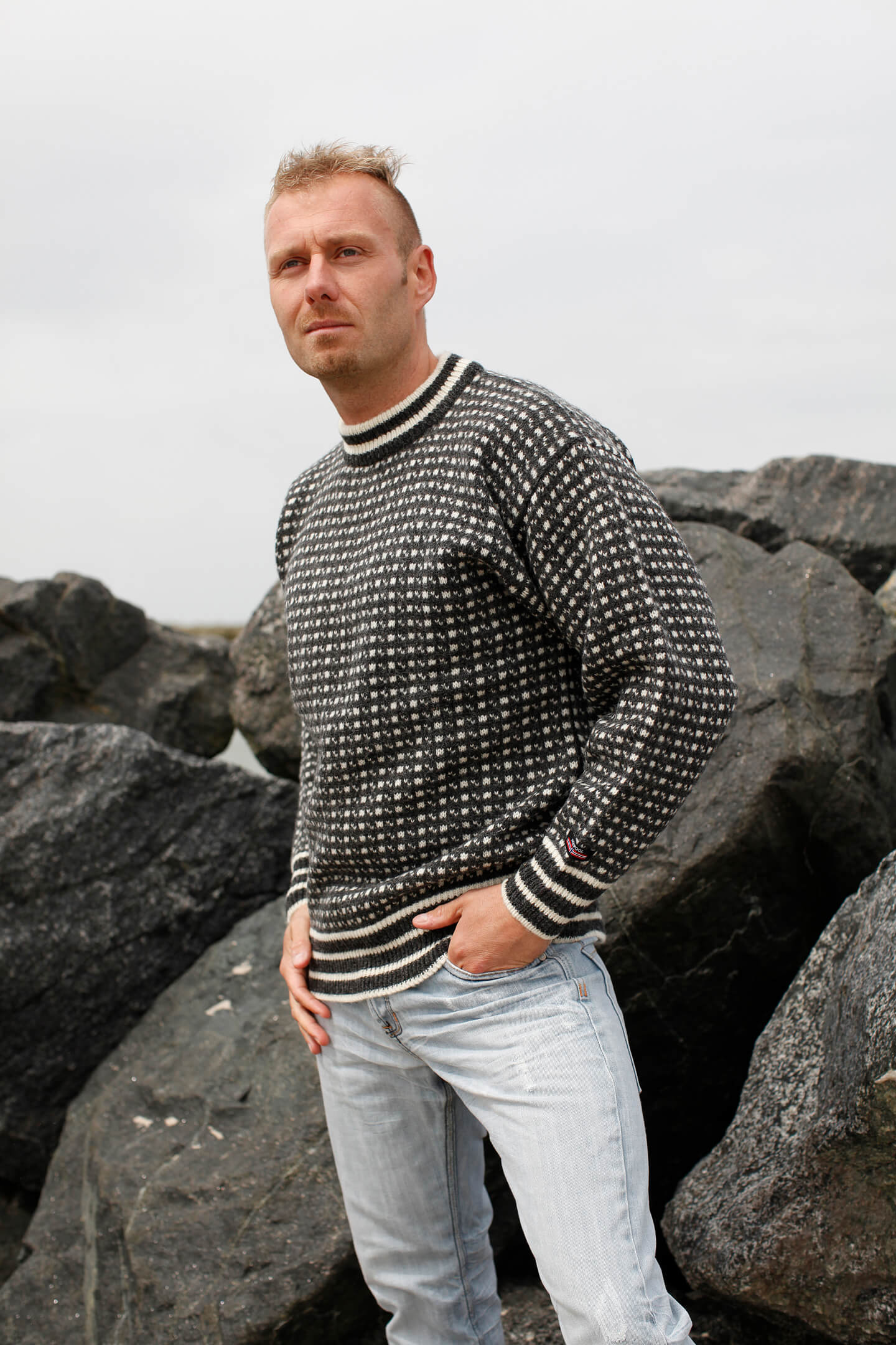 Faroese jumper from Norwool of pure new wool with classic pattern